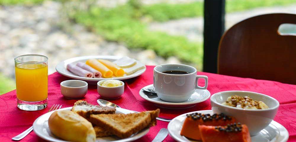 Sesc Nova Friburgo café da manhã hotel